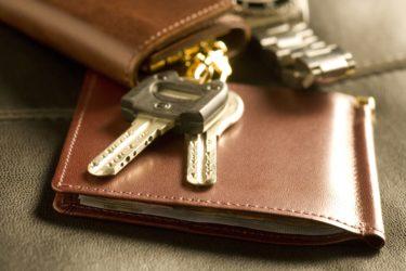 ドアロックの種類や選び方を徹底解説!玄関や窓・賃貸住宅などケース別のおすすめは?防犯性を高める取付け方もチェックしよう
