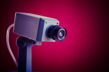 防犯カメラの種類や選び方・設置方法を解説!家庭用や屋外用でのおすすめは?防犯対策に必要な録画時間って?ダミーの効果も検証