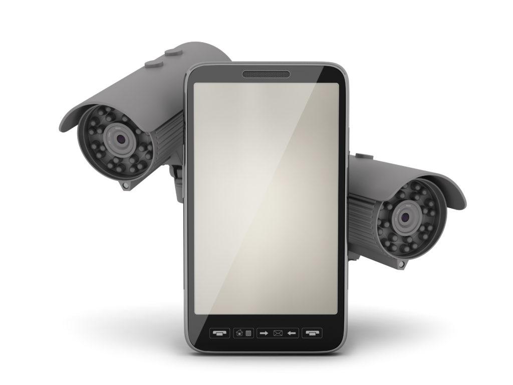2台のセキュリティカメラと携帯電話