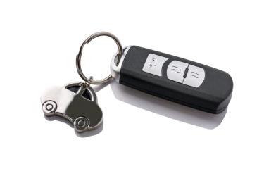 車のキーホルダー付きのスマートキー