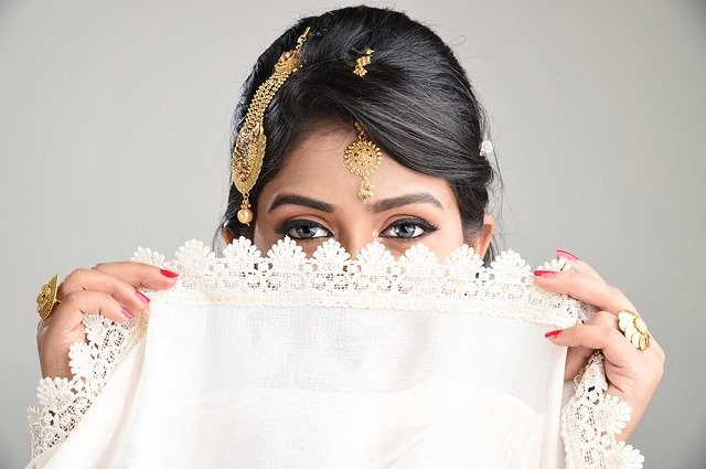 宝石 女性 インド