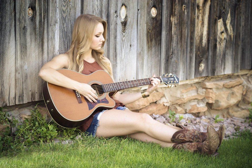 ギター・田舎・少女