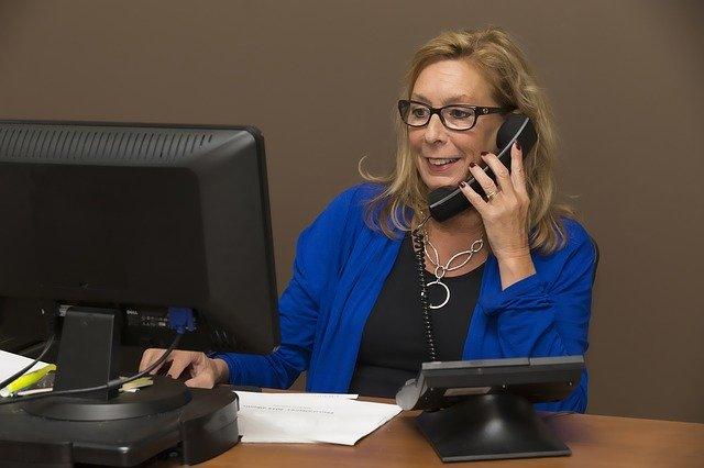 オフィス 電話 女性