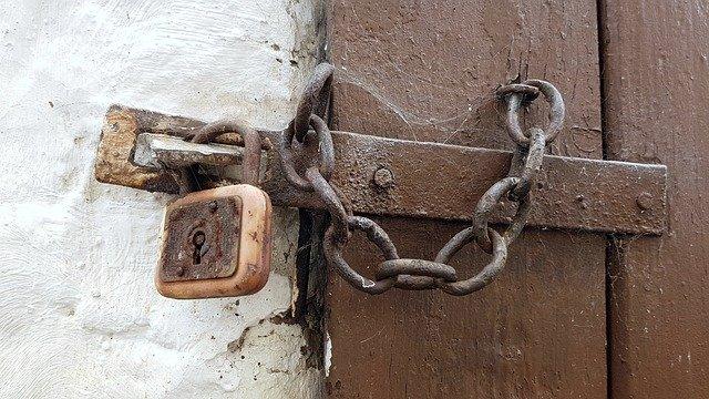 ドアのカギ