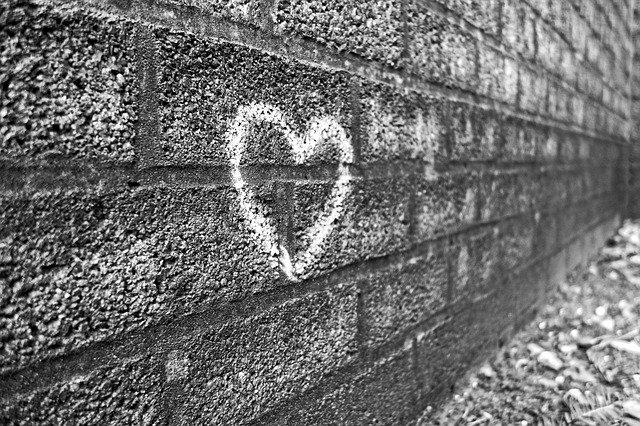 壁に描かれたハート