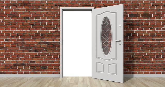 解錠されたドア