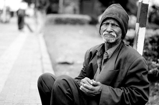 貧しい 路上生活