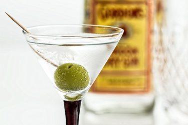 酒税法で自家製酒が違反にならない対策法を徹底解説!違法に該当するケースは?自家製梅酒やどぶろくを造る際の注意点も紹介