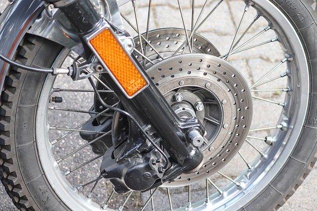 反射材が使われたバイク