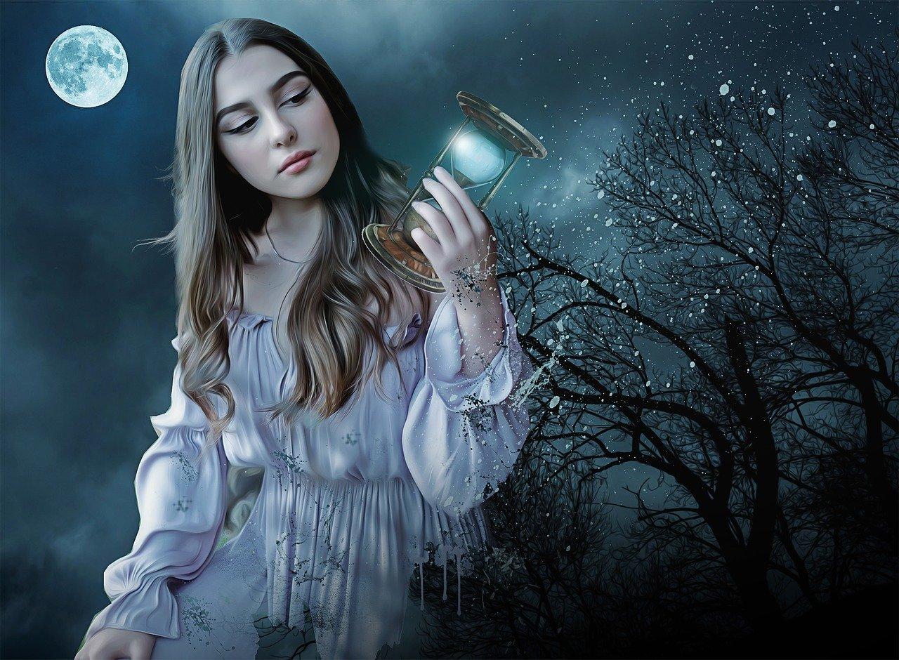 月夜に佇む女性