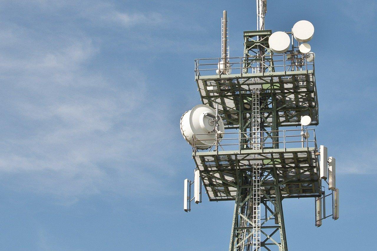 電波塔の上部