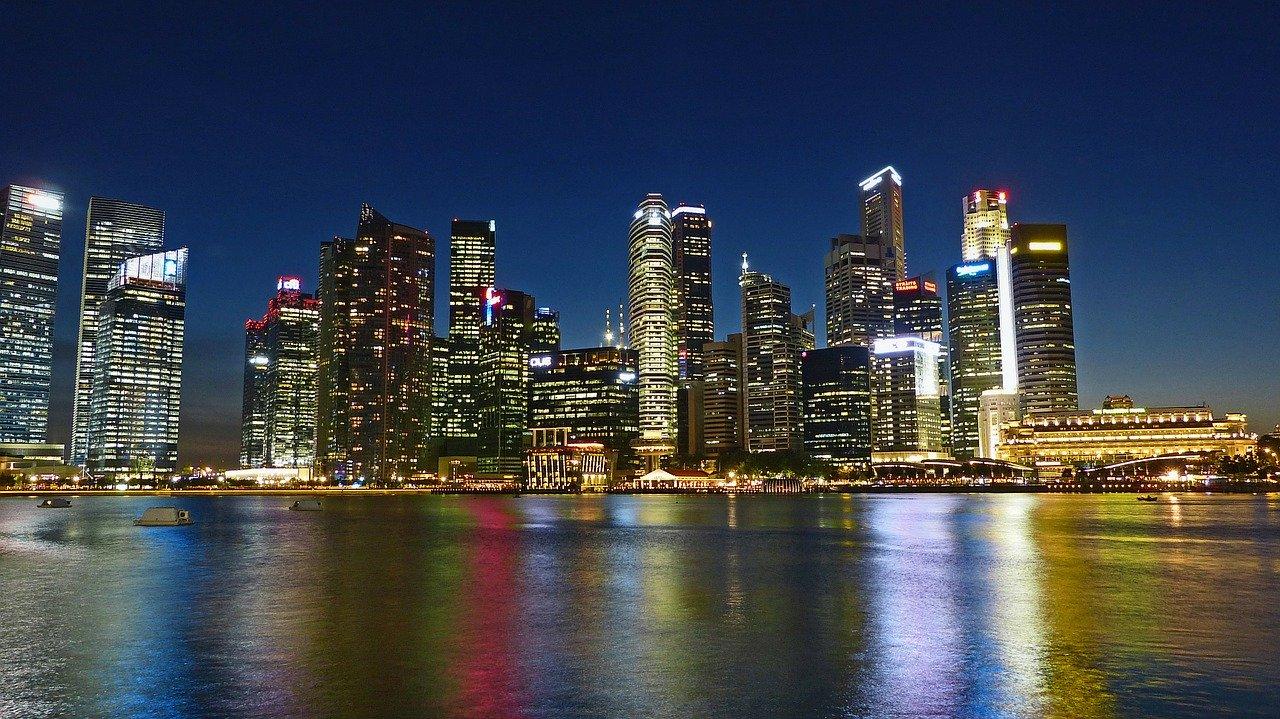 シンガポール 川 スカイライン ビル