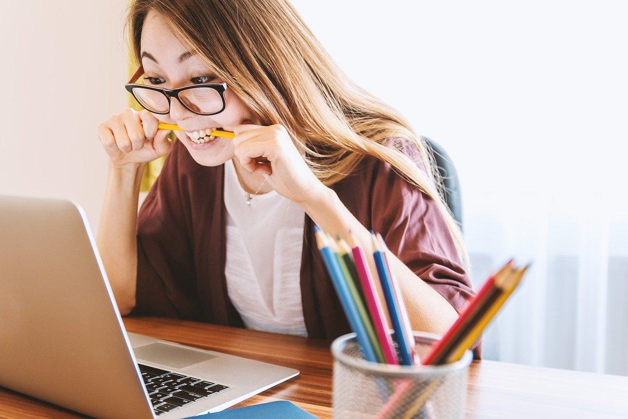 ノートパソコン 女 教育