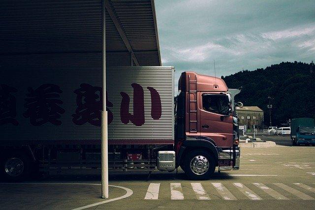 宅配のトラック