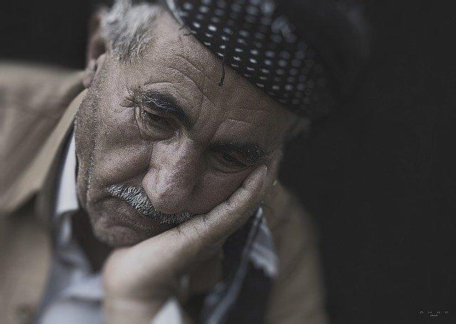 高齢者の男性