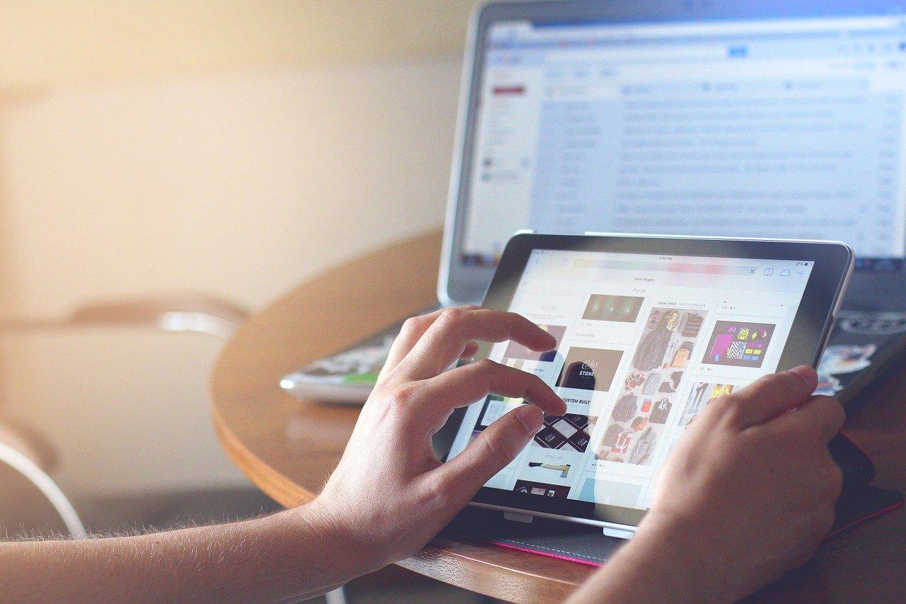 iPad タブレット テクノロジー