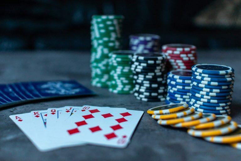 賭けポーカー